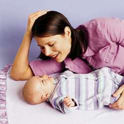 Mama cu bebelus